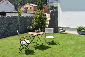 A garden outside Gästehaus Lehr