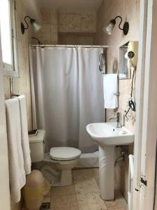 A bathroom at Miramar Luxury Penthouse