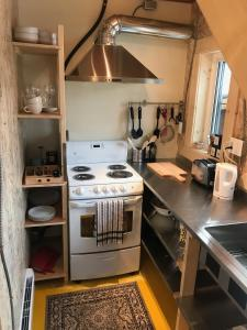 A kitchen or kitchenette at Bonton & Company
