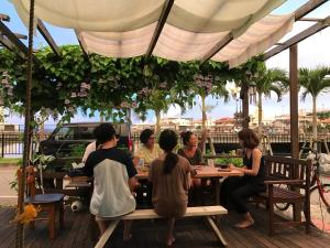 民宿 アガイ浜にあるレストランまたは飲食店