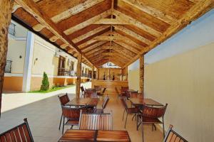 Ресторан / где поесть в AsTerias Hotel