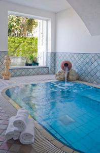 Piscina di Hotel Villa D'Orta o nelle vicinanze