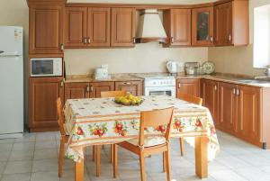 A kitchen or kitchenette at Villa Welcome