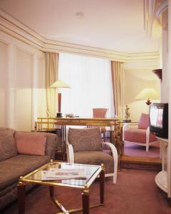 A seating area at Savoy Berlin