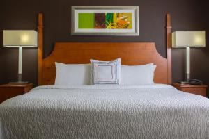 A bed or beds in a room at Residence Inn Sandestin at Grand Boulevard