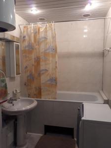 Ванна кімната в Комната в квартире