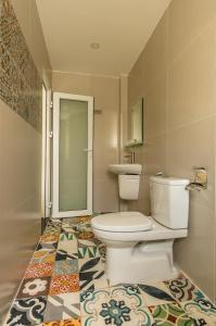 A bathroom at D Central Hoi An Homestay