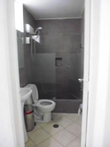 A bathroom at Hostal Fatima