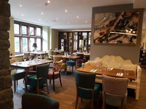 A restaurant or other place to eat at Stonecross Manor Hotel, BW Signature Collection