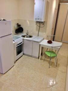 Кухня или мини-кухня в Квартира на Транспортной 80