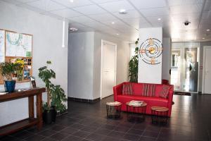Hall ou réception de l'établissement City Lodge Appart Hôtel Niort