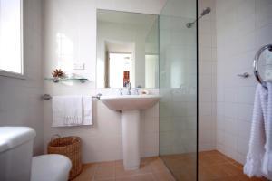 A bathroom at Luxury on Bondi Beach