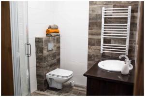 A bathroom at Mostowa 32