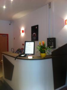 Hall ou réception de l'établissement Hotel Bristol Metz Centre Gare