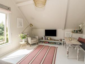 A seating area at The Barn at Rose Cottage, Malpas