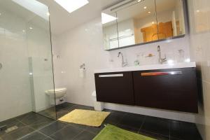 A bathroom at Pittlanderhof