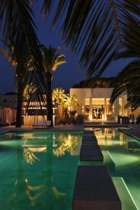 The swimming pool at or close to Sezz Saint-Tropez