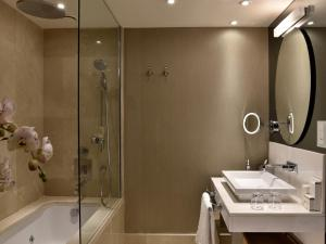 A bathroom at CVK Park Bosphorus Hotel Istanbul