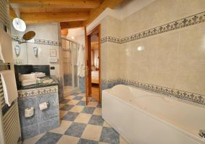 Koupelna v ubytování Hotel Posta