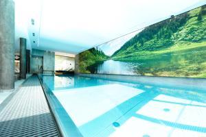 Der Swimmingpool an oder in der Nähe von Hotel Panorama
