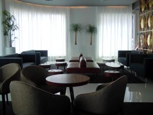 The lounge or bar area at Olissippo Saldanha