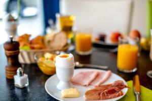 Завтрак для гостей Hotel AM Schloss