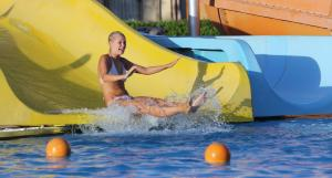 المسبح في كونكورد السلام شرم الشيخ - المبنى الرياضى أو بالجوار
