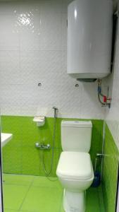 Um banheiro em Sheki Guest House