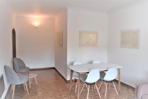 A seating area at Braga cosy apartment