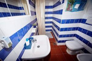 A bathroom at Borgo S.Maria Di Vulci