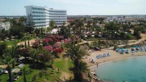 Crystal Springs Beach Hotel с высоты птичьего полета