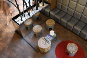 A seating area at Hotel Expo Astoria