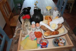 Breakfast options available to guests at Bluesheep-texel