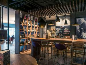 Hol lub bar w obiekcie Mercure Wrocław Centrum