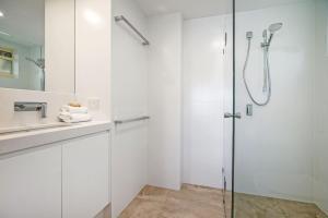 A bathroom at #2 Hastings Street