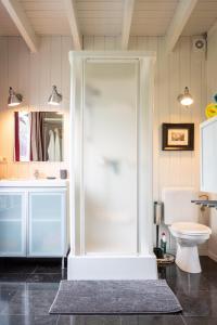 A bathroom at Domein Les Etangs-du-franc-bois
