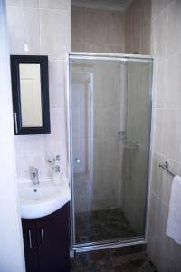 A bathroom at On The Summit Lodge