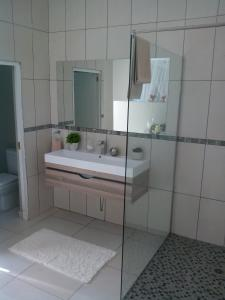 A bathroom at St Lucia Kingfisher Lodge