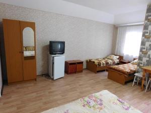 Телевизор и/или развлекательный центр в Мини-отель на Ивана Голубца