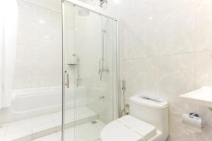 Ein Badezimmer in der Unterkunft Ocean Retreat and Spa