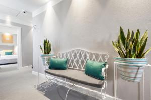 A seating area at La Piazzetta Guest House
