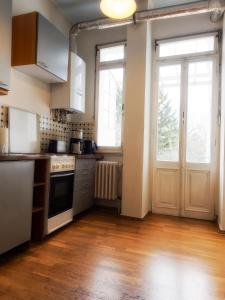 A kitchen or kitchenette at Pension Bonn Südstadt