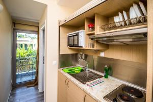 Η κουζίνα ή μικρή κουζίνα στο Nefeli
