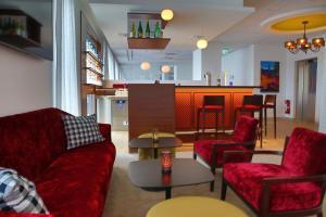 A seating area at IBB Hotel Ingelheim