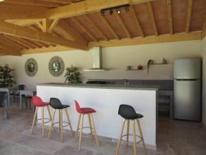 Cuisine ou kitchenette dans l'établissement Gite Les Courlis