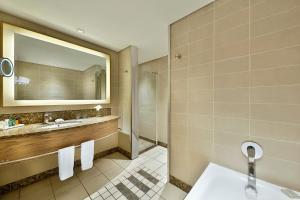 A bathroom at Hilton Durban