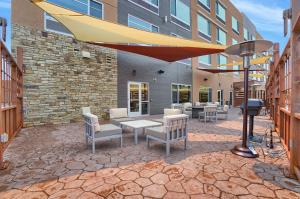 A restaurant or other place to eat at Best Western Plus Executive Residency Fillmore Inn