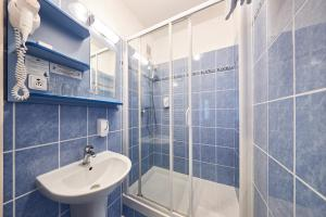 A bathroom at Apartmany Firn