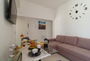 A seating area at Apartamentos Bello Lanzarote