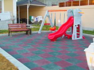 Parquinho infantil em Gabala City Rooms